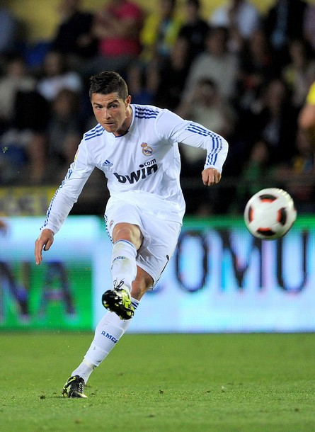 essay on my favourite player cristiano ronaldo Contextual translation of essay about lionel messi in afrikaans into english  essay about my favourite animal  favourite (afrikaans - english)   christian.