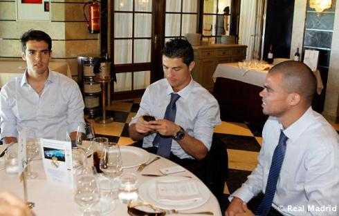Celebration part iv luncheon and comments of headbands for Puerta 57 bernabeu