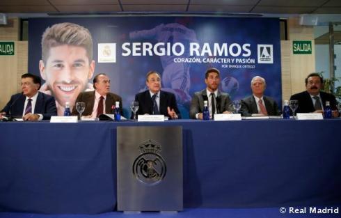 Presentaciýn_libro_Sergio_Ramos