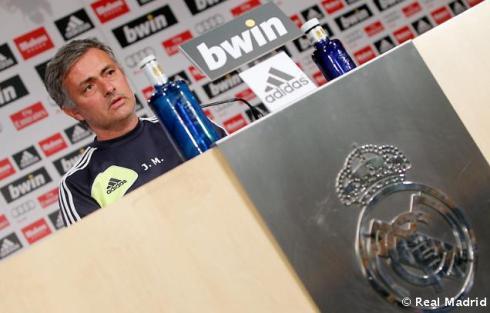 Rueda_de_prensa_de_Mourinho (3)