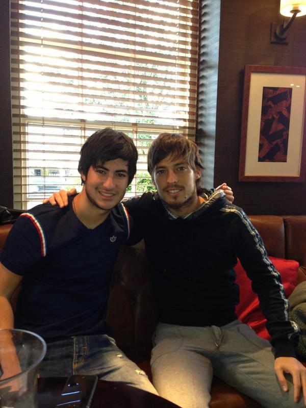 Foto von David Silva & sein  Bruder  Nando Jimenez Silva