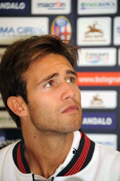 Robert+Acquafresca+FC+Bologna+Unveils+New+5hoEkU_cSewl
