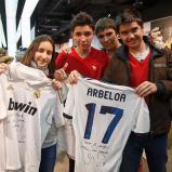 Arbeloa_en_tienda_adidas_Bernabýu (10)