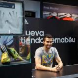 Arbeloa_en_tienda_adidas_Bernabýu (7)