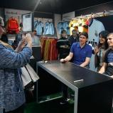 Karanka_y_Morata_en_la_nueva_tienda_Bernabýu_ (10)