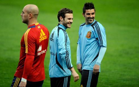 Spain's Reina, Mata and Villa attend a training session at El Molinon stadium in Gijon