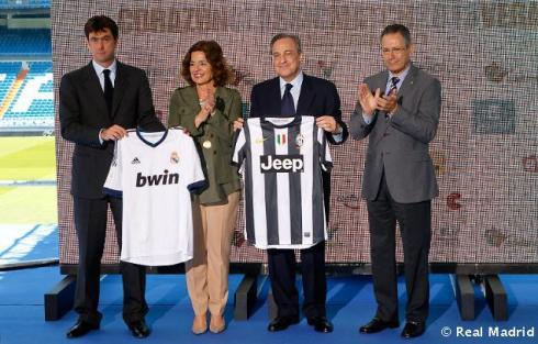 Presentaciýn_del_Corazýn_Classic_Match_2013 (1)