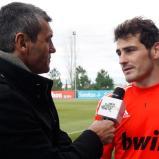 Visita_de_Sergio_Goicochea_a_los_jugadores_del_Real_Madrid (2) - Copy