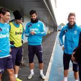 Visita_de_Sergio_Goicochea_a_los_jugadores_del_Real_Madrid (4)