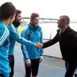 Visita_de_Sergio_Goicochea_a_los_jugadores_del_Real_Madrid (7)