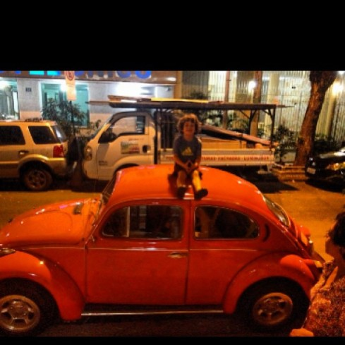 Enzo in Brazil! Atop a VW Beetle!