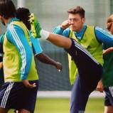 Mesut kicking