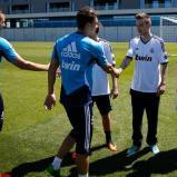 El_grupo_musical_One_Direction_visitý_la_Ciudad_Real_Madrid_ (4)