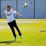 El_grupo_musical_One_Direction_visitý_la_Ciudad_Real_Madrid_ (6)