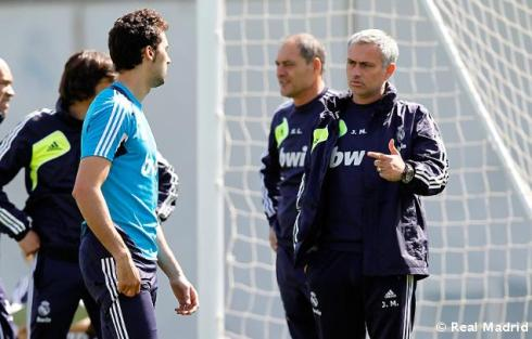 "Mou: ""So what's the deal with you and Raul shaving off the sex beards?"""