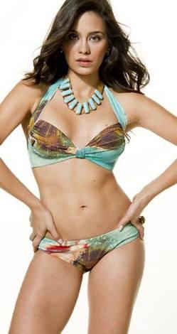 Clarice modeling a bikini!