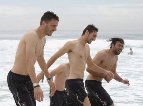 Italy Players Visit Barra de Tijuca