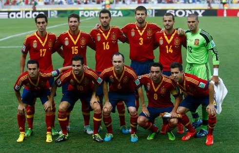 Spain's players pose for a team photo before their Confederations Cup Group B soccer match against Nigeria at the Estadio Castelao in Fortaleza