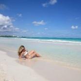 Carlota looks luscious on the beach