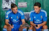 Presentaciýn_de_la_segunda_equipaciýn_del_Real_Madrid_2013-14 (12)
