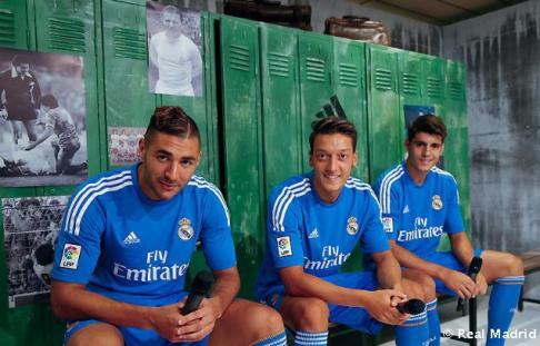 Presentaciýn_de_la_segunda_equipaciýn_del_Real_Madrid_2013-14 (16)