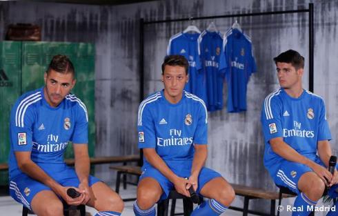 Presentaciýn_de_la_segunda_equipaciýn_del_Real_Madrid_2013-14 (17)