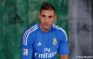 Presentaciýn_de_la_segunda_equipaciýn_del_Real_Madrid_2013-14 (20)