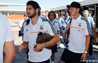 Salida_del_Real_Madrid_a_Lyon_ (1)