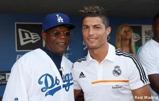 Cristiano_Ronaldo_en_el_partido_Dodgers_-_Yankees (12)