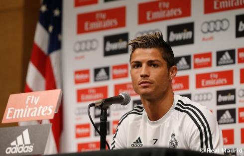 Cristiano_Ronaldo_en_rueda_de_prensa (1)
