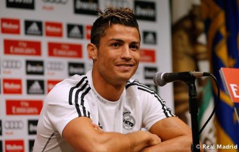 Cristiano_Ronaldo_en_rueda_de_prensa (2)