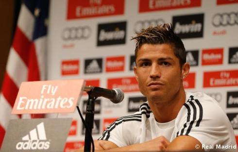 Cristiano_Ronaldo_en_rueda_de_prensa (3)