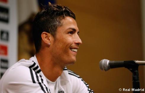 Cristiano_Ronaldo_en_rueda_de_prensa (4)