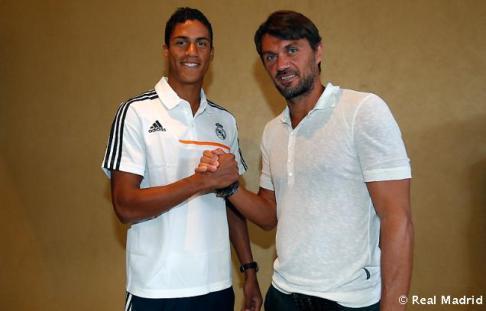 Maldini_y_Shevchenko_visitaron_al_Real_Madrid (10)