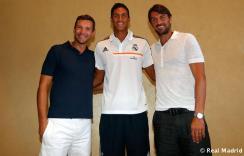 Maldini_y_Shevchenko_visitaron_al_Real_Madrid (6)