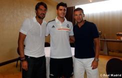 Maldini_y_Shevchenko_visitaron_al_Real_Madrid (7)