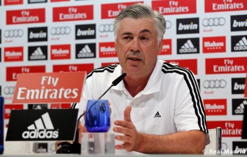 Rueda_de_prensa_de_Carlo_Ancelotti_ (2)