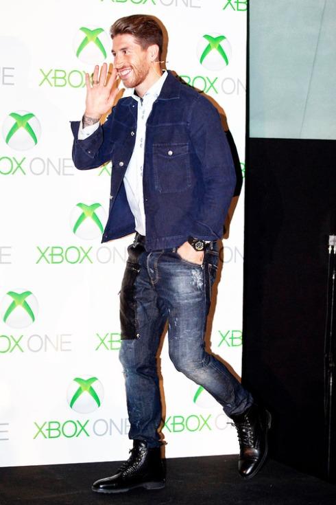 Real Madrid玸 Sergio Ramos and Barcelona玸 Cesc Fabregas attend the new Xbox One presentation