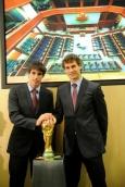 Fernando-Llorente-Javi-Martinez-honored-by-the-Basque-government-1-12-2010-fernando-llorente-17403934-379-570