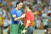 GianluigiBuffon-and-IkerCasillas130627Gbg