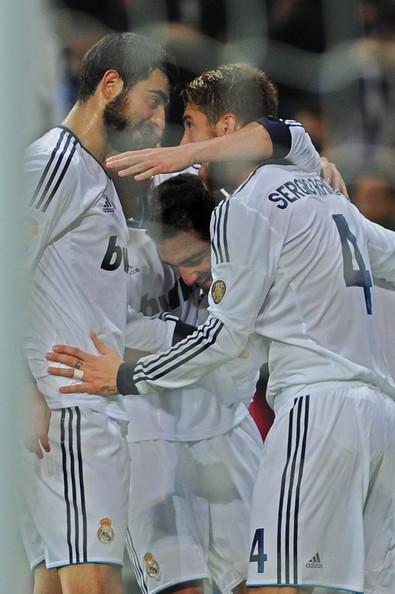 Sergio+Ramos+Gonzalo+Higuain+Real+Madrid+CF+jPu1kiacN0ml