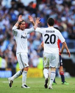 Sergio+Ramos+Gonzalo+Higuain+Real+Madrid+v+MWSiEhGgWBol