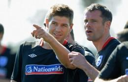 Steven+Gerrard+Jamie+Carragher+England+Training+0Ymeq2HiKuel