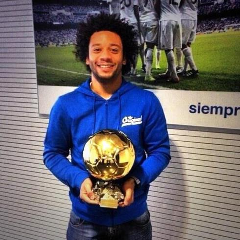 Marcelo got his pose on with the Ballon D'Or as well.