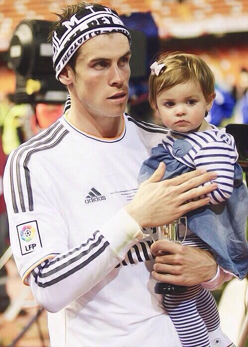 Photo of Gareth Bale & his  Daughter  Alba Violet Bale