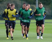 Alex+Oxlade+Chamberlain+Arsenal+Training+Session+_R4p_Vs1VsBl