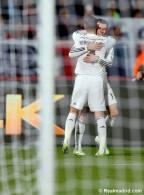 Bale hugs Sergio