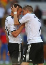 Bastian+Schweinsteiger+Lukas+Podolski+Germany+AYEPuy66B9Pl