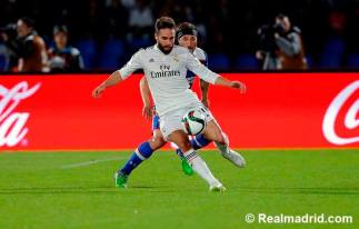 Carvajal controls the ball