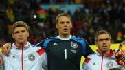 die-deutschen-weltmeister-thomas-mueller-manuel-neuer-und-philipp-lahm-v-li-nach-re-sind-bei-wahl-von-europas-fussballer-des-jahres-2014-dabei-